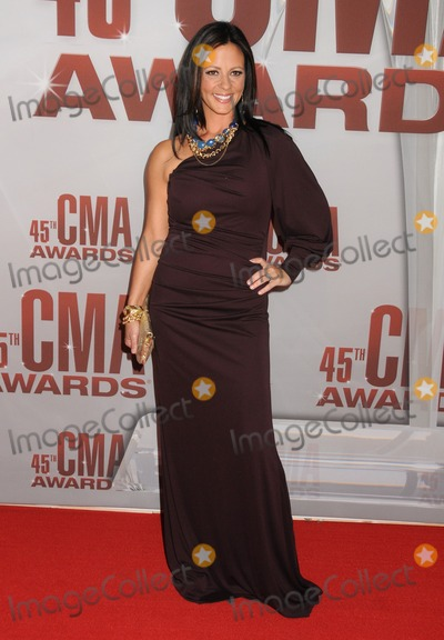 Sara Evans,CMA Award Photo - 2011 CMA Awards - Arrivals