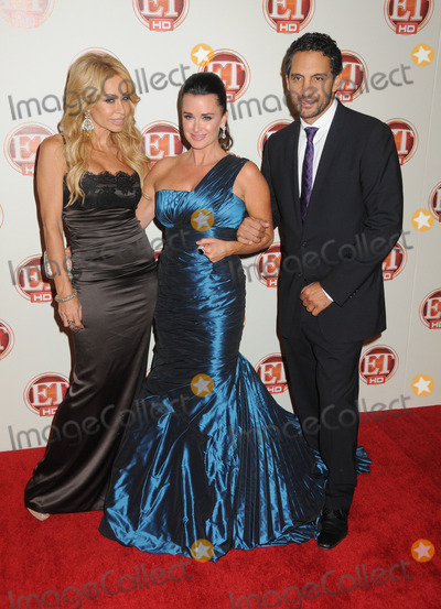 Faye Resnick,Kyle Richards,Mauricio Umansky Photo - 15th Annual Entertainment Tonight Emmy Party