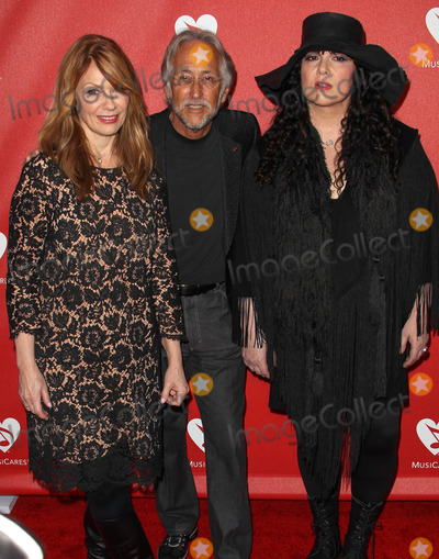 Nancy Wilson,Neil Portnow,Ann Wilson Photo - MusiCares MAP Fund Benefit - Arrivals