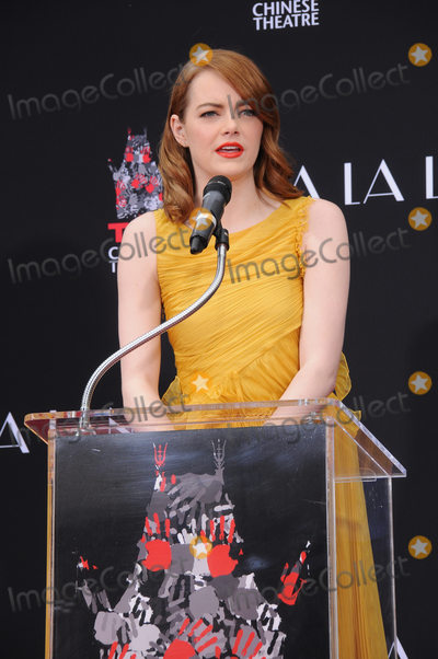 Photos From Ryan Gosling And Emma Stone Hand And Footprint Ceremony