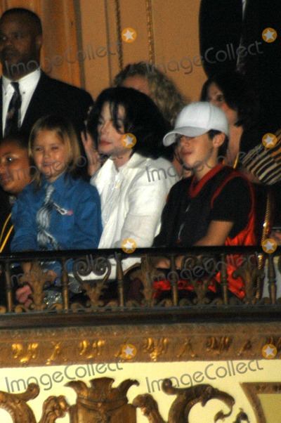 Jacksons,Michael Jackson Photo - Michael Jacksons 45th Birthday Party