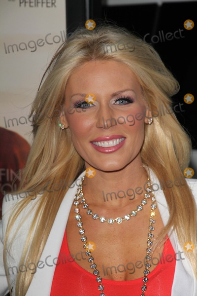 Gretchen Rossi Photo - People Like Us World Premiere