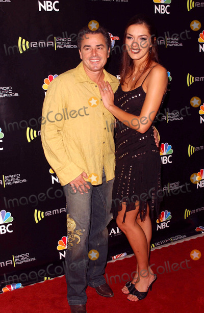 Christopher Knight,Adrianne Curry Photo - 2005 Radio Music Awards Arrivals