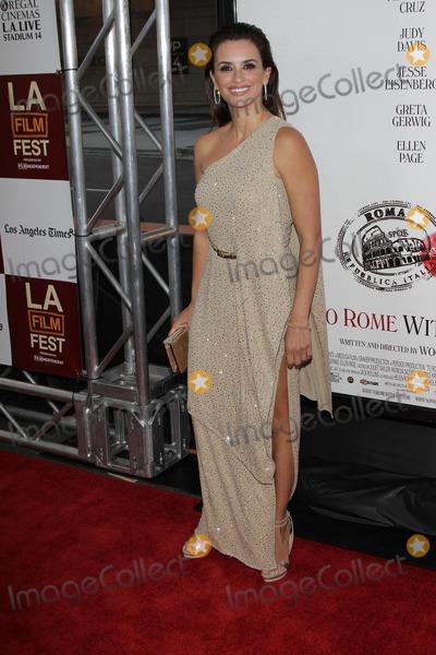 Penelope Cruz,Penelope  Cruz Photo - To Rome With Love Premiere