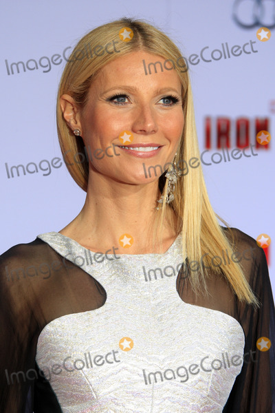 Gwyneth Paltrow Photos - LOS ANGELES - APR 24  Gwyneth Paltrow arrives at the Iron Man 3 LA premiere at the El Capitan Theater on April 24 2013 in Los Angeles CA