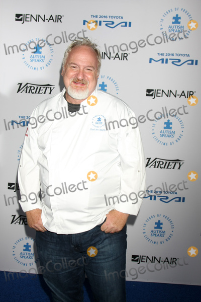Art Smith Photo - LOS ANGELES - OCT 8  Art Smith at the Autism Speaks Celebrity Chef Gala at the Barker Hanger on October 8 2015 in Santa Monica CA
