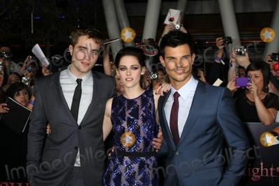 Kristen Stewart,Robert Pattinson,Taylor Lautner Photo - Twilight Breaking Dawn Part 1 World Premiere