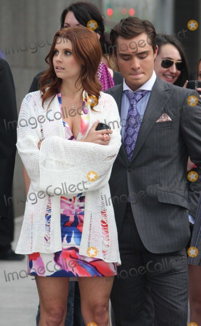 Ed Westwick,JoAnna Garcia,Leighton Meester,Chase Crawford,THE SET,Chace Crawford Photo - Gossip Girl - Archival Pictures - PHOTOlink - 106054