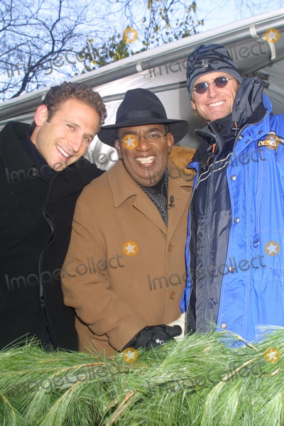 Jere Burns Photo - Sd11282002 76th Annual Macys Thanksgiving Day Parade Photo by Henry McgeeGlobe Photosinc NYC