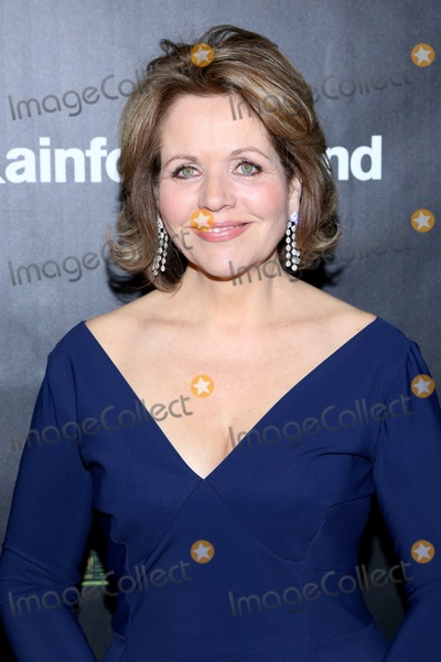 Renee Fleming Photo - April 17 2014 New York CityRenee Fleming arriving at the 25th Anniversary Rainforest Fund Benefit at Mandarin Oriental Hotel on April 17 2014 in New York City