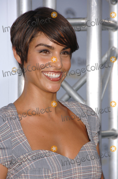 Paula Miranda Photo - Actress PAULA MIRANDA at the Los Angeles premiere of Gridiron Gang at the Graumans Chinese Theatre HollywoodSeptember 5 2006  Los Angeles CA 2006 Paul Smith  Featureflash