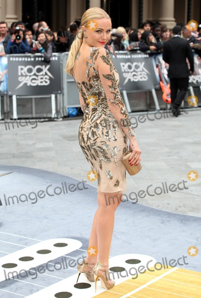 Malin Akerman,THE ROCK Photo - Rock Of Ages Premiere