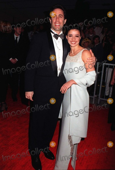 Jerry Seinfeld Photo - 22FEB97  Actor JERRY SEINFELD  girlfriend SHOSANNA LONSTEIN at the Screen Actors Guild Awards in Los AngelesPix PAUL SMITH