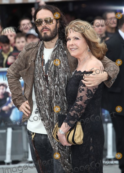 Russell Brand,THE ROCK Photo - Rock Of Ages Premiere