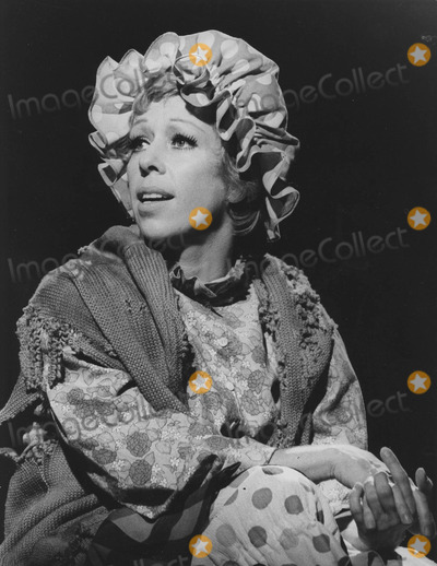 Carol Burnett as Cleaning Lady http://imagecollect.com/events/carol-burnett-archive-pictures-photos-9253/page-4