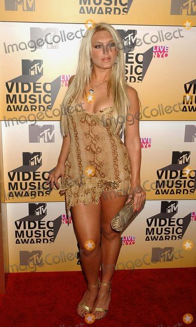 Brooke Hogan Photo - Mtvs Video Music Awards-arrivals Held at Radio City Music Hall New York City 08-31-2006 Photo Ken Babolcsay-ipol-Globe Photos Inc 2006 Brooke Hogan