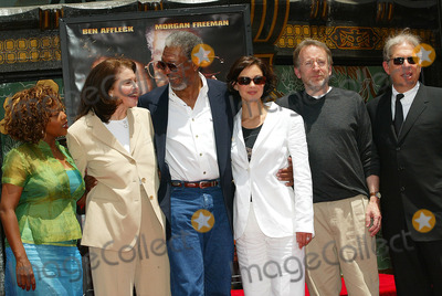 Phil Robinson Photo - Morgan Freeman Honored with Hand and Footprint at Graumans Chinese Theater in Los Angeles CA Alfre Woodard Sherry Lansing Morgan Freeman Ashley Judd and Phil Robinson Photo by Fitzroy Barrett  Globe Photos Inc 6-5-2002 K25205fb (D)