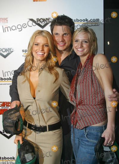 Jessica Simpson,Ashlee Simpson,Nick Lachey Photo - Girls Gone Wild