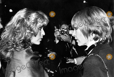 Farrah Fawcett,Shirley Maclaine Photo - Archival Pictures - Globe Photos - 58363