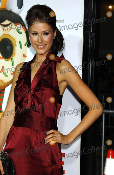 Amanda Crew Photo - Archival Pictures - Globe Photos - 25473