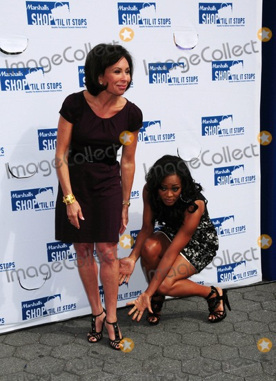 Robin Givens,JEANINE PIRRO Picture - Robin Givens Promoting Domestic
