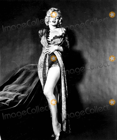 Marilyn Monroe Photos - Marilyn Monroe Photo Byipol ArchiveGlobe Photos Inc