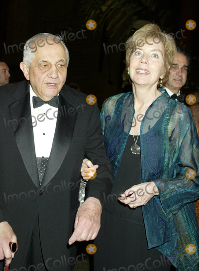 Andrew Sarris Photo - Pen 2006 Literary Gala at the American Museum of Natural History New York City 04-18-2006 Photo by Sonia Moskowitz-Globe Photos 2006 Andrew Sarris and Molly Haskell