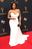 Niecy Nash Photo - 18 September 2016 - Los Angeles California - Niecy Nash 68th Annual Primetime Emmy Awards held at Microsoft Theater Photo Credit AdMedia