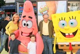 Larry King Photo - Larry King and family at the World Premiere of The Spongebob Squarepants Movie at Graumans Chinese Theater Hollywood CA 11-14-04