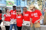 Emma Kenney Photo - LOS ANGELES - OCT 25  Emma Kenney Glynn Turman Kristen Bell Donis Leonard Jr William H Macy at the Habitat for Humanity build by Showtimes House of Lies and Shameless at Magnolia Blvd on October 25 2014 in Lynwood CA