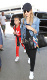 Jessica Alba Photo - Photo by SMXRFstarmaxinccomSTAR MAX2017ALL RIGHTS RESERVEDTelephoneFax (212) 995-119671017Jessica Alba is seen at LAX Airport in Los Angeles CA