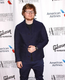 Ed Sheeran Photo - Photo by Victor MalafrontestarmaxinccomSTAR MAX2017ALL RIGHTS RESERVEDTelephoneFax (212) 995-119661517Ed Sheeran at The 48th Annual Songwriters Hall of Fame Induction And Awards Gala in New York City