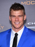 Alan Ritchson Photo - Photo by KGC-11starmaxinccomSTAR MAXCopyright 2015ALL RIGHTS RESERVEDTelephoneFax (212) 995-1196111615Alan Ritchson at the premiere of The Hunger Games Mockingjay - Part 2(Los Angeles CA)