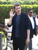 Hayden Christensen Photo - Photo by KeithJMAstarmaxinccomSTAR MAX2015ALL RIGHTS RESERVEDTelephoneFax (212) 995-119682715Hayden Christensen  on the set of EXTRA at Universal CityWalk(Los Angeles CA)