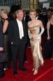 Linda Kozlowski Photo - Actor PAUL HOGAN  actress wife LINDA KOZLOWSKI at the 2001 Golden Globe Awards at the Beverly Hilton Hotel21JAN2001   Paul SmithFeatureflash
