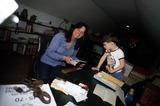 Linda Lovelace Photo - Linda Lovelace with Her Son Dominic Photo by Michael NischkGlobe Photos Inc