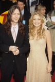 Chris Robinson Photo - Kate Hudson with Chris Robinson at Sag Awards  Sarine  Los Angeles 2001 K21258rharv Photo by Roger Harvey-Globe Photos Inc