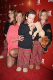 Alexander Georges Photo - I12511CHWSTILL THANKFUL STILL GIVING FUNDRAISER TO BENEFIT THE CASA HOGAR SION ORPHANAGE IN TIJUANA MEXICO SPONSORED BY HOT MOMS CLUB  THE SIRENS SOCIETY CINESPACE HOLLYWOOD CA 112907 LAUREN HOLLY WITH SONS ALEXANDER GEORGE AND HENRY   PHOTO CLINTON H WALLACE-PHOTOMUNDO-GLOBE PHOTOS INC