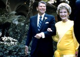Patti Davis Photo - Patti Davis Wedding Ronald Reagan and Wife Nancy Reagan Photo ByGlobe Photos Inc 1984