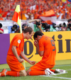 Arjen Robben Photo - Ruud Van Nistelrooy  Arjen Robben Cellebrate Win Holland V Ivory Coast World Cup Soccer 06-16-2006 Photo by Allstar-Globe Photos