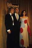 Karen Carpenter Photo - Karen Carpenter with Steve Martin and Peter Frampton G5473i Supplied by Globe Photos Inc