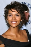 Halle Berry Photo - Halle Berry K26761fb the 15th Carousel of Hope Ball Beverly Hilton Hotel Beverly Hills CA October 15 2002 Photo by Fitzroy BarrettGlobe Photos Inc