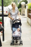 Savannah Miller Photo - 058544 Savannah Miller and Child Sister of Sienna Arrives Home After Jude Law Admits an Affair with His Nanny Daisy Wright South West London 07-18-2005 Photo by Mockford-bouwmeester-alpha-Globe Pohtos