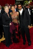 Halle Berry Photo - 74th Academy Awards Hollywood and Highland Hollywood CA 03242002 Photo by Fitzroy BarrettGlobe Photosinc2002 Halle Berry  Eric Benet and Mother Judith Berry
