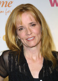 Lea Thompson Photo - 1002 Los Angeles Women Rock Girls  Guitars Benefit Concert Kodak Theater Photo by Glenn Weineripol IncGlobe Photos Inc I7070gw 2002 Lea Thompson