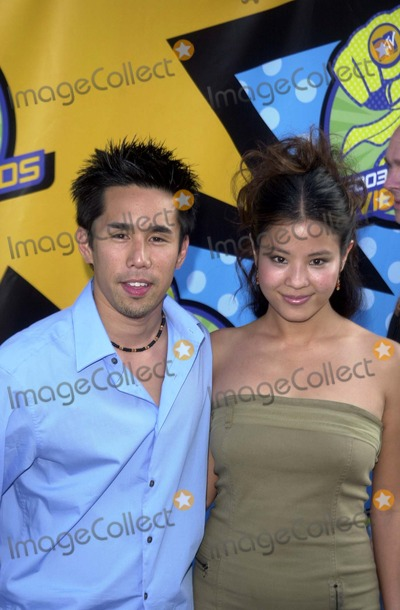 Parry Shen Photo - Parry Shen and Karen Cheung at the 2003 MTV Movie Awards Shrine Auditorium Los Angeles CA 05-31-03