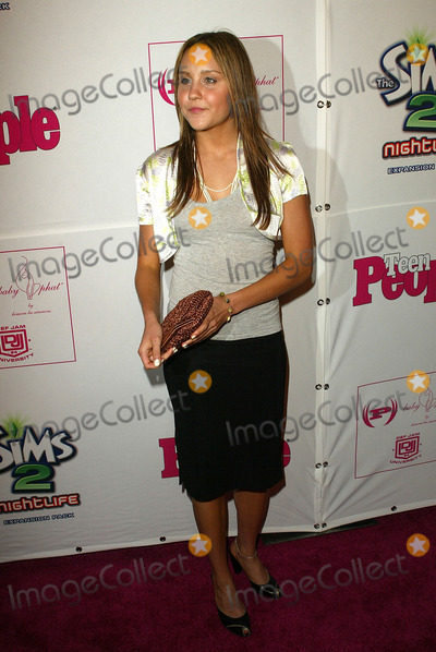 Photo - Teen Peoples Young Hollywood Celebration