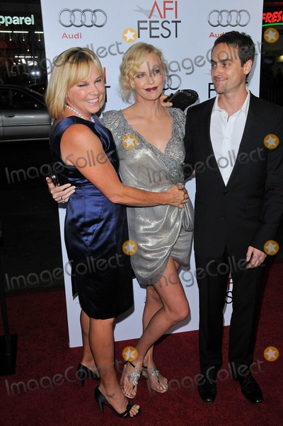 Stuart Townsend Photo - Gerda Theron Charlize Theron and Stuart Townsendat the AFI Fest Screening of The Road Chinese Theater Hollywood CA 11-04-09