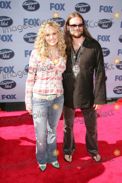 Photos And Pictures Bo Bice And Carrie Underwood At The American Idol Season 4 Finale Arrivals Kodak Theater Hollywood Ca 05 25 05
