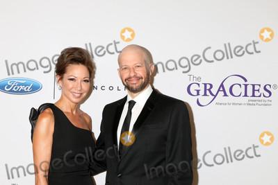 Photo - Lisa Joyner Jon Cryerat the 42nd Annual Gracie Awards Beverly Wilshire Hotel Beverly Hills CA 05-22-18